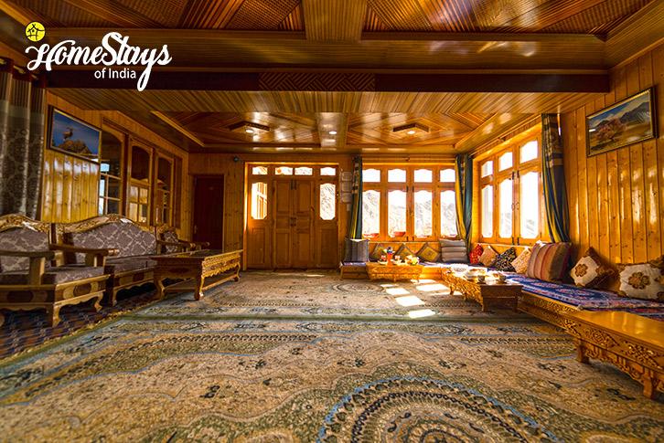 Drawing-Room_Skampari-Homestay_Leh-Ladakh
