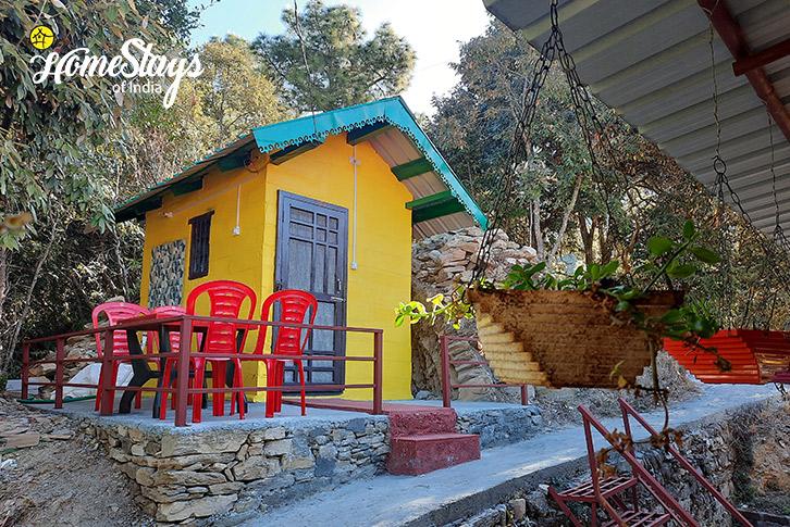 Guest Kitchen-3_Sunkiya-Homestay-Mukteshwar