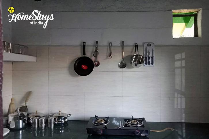 Guest Kitchen-4_Sunkiya-Homestay-Mukteshwar