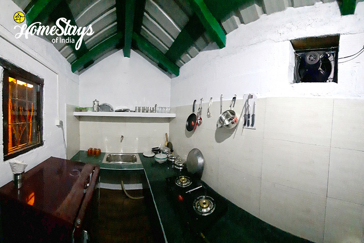 Guest Kitchen-5_Mukteshwar-Homestay
