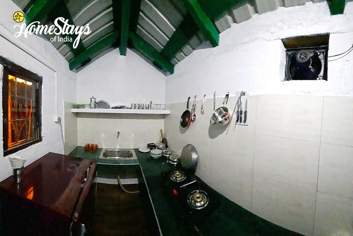 Guest Kitchen-5_Sunkiya-Homestay-Mukteshwar