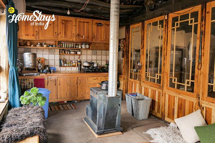 Kitchen-4-Stok Eco Village Homestay-Leh