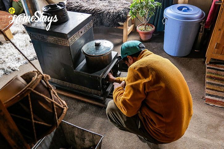 Local Oven-Stok Eco Village Homestay-Leh
