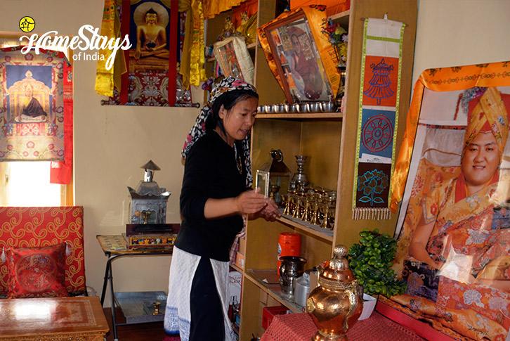 Pooja-Room-Kaza-Homestay-Spiti