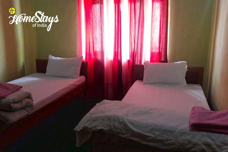 Room-3_Mulbekh-Homestay-Kargil