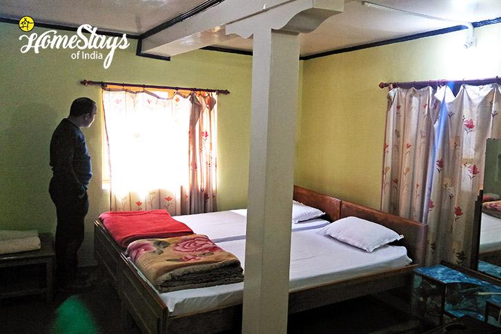 Room1_Mulbekh-Homestay-Kargil