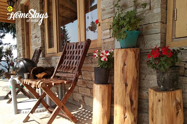 Seating-Gehna Snowline Homestay-Mukteshwar