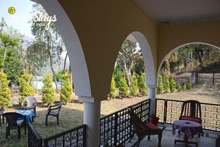 SitOut-Jone's Estate Homestay-Bhimtal