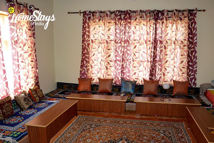 Traditional-Dinning-Kaza-Homestay-Spiti