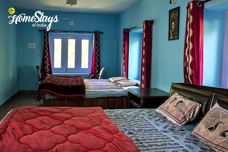 BedRoom1_Saryo-Homestay-Kalpa