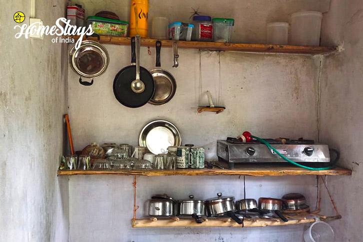 Guest Kitchen_Dalar-Homestay_Binsar