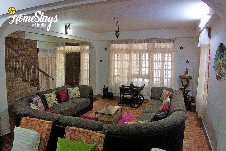 Living-Room-2-Umsaw Nongkharai Homestay-Ri Bhoi