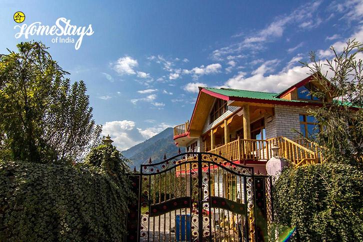 Main-Entrance_Haripur-Homestay-Manali