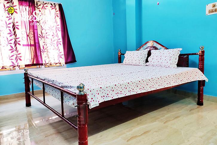 Bedroom1_Uzanbazar Homestay-Guwahati