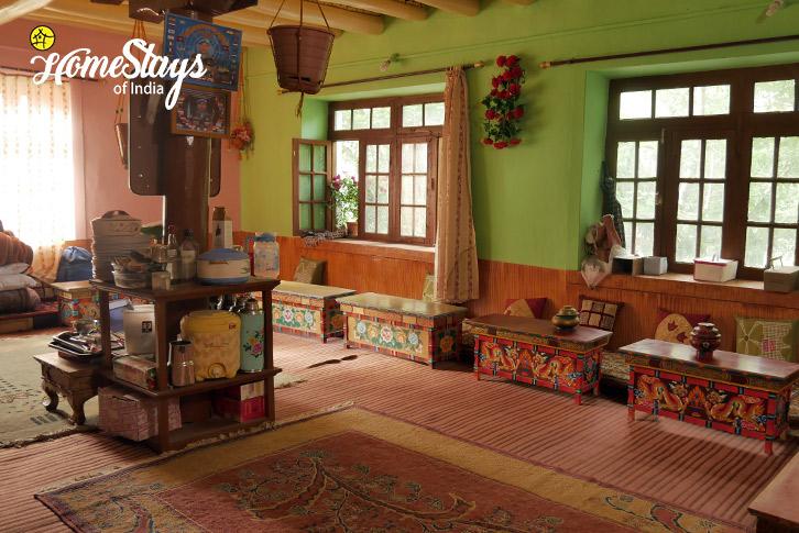 Dinning-2_Skurbuchan Homestay-Ladakh