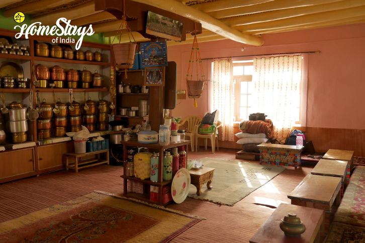 Dinning_Skurbuchan Homestay-Ladakh