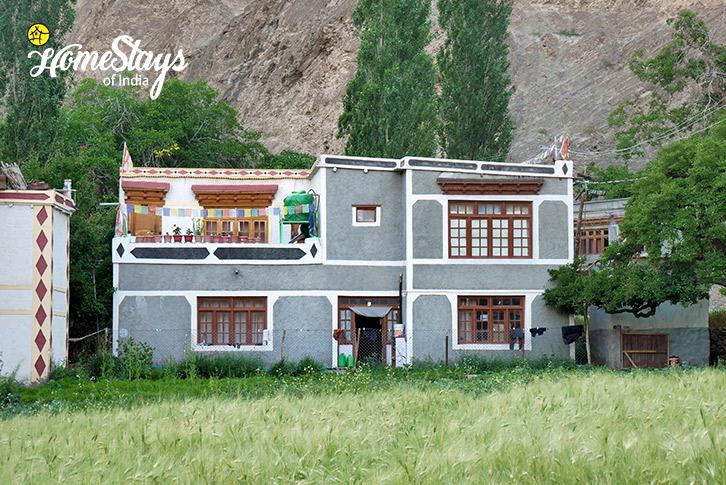 Exterior_Skurbuchan Homestay-Ladakh