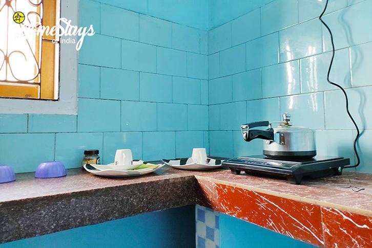 Kitchen_Uzanbazar Homestay-Guwahati