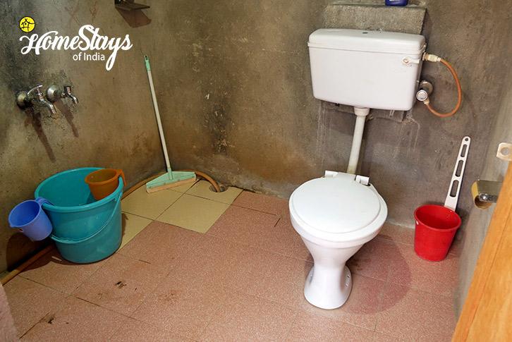 Toilet-Likir-Homestay-Ladakh