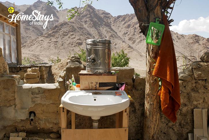 Wash-basin-Likir-Homestay-Ladakh