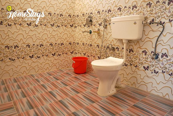 Bathroom-3-Upper-Changspa-Homestay-Leh