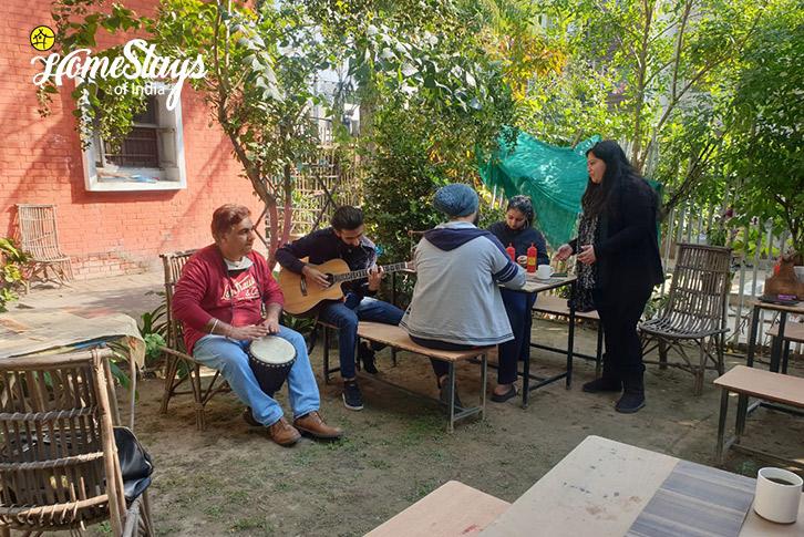 Cafe-16D Homestay-Chandigarh