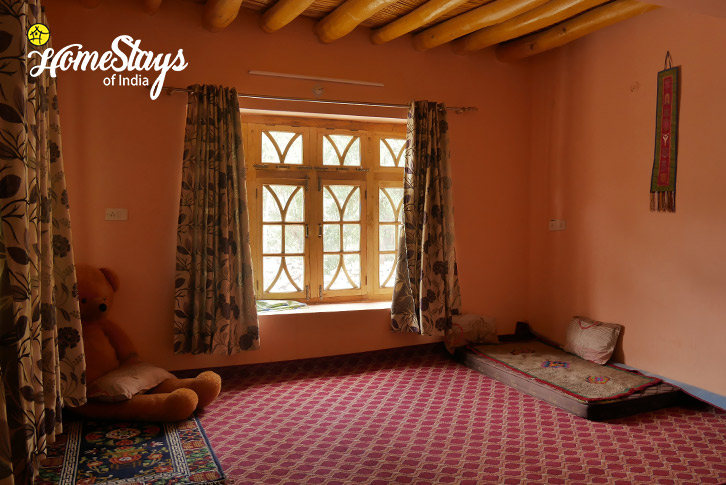 Dormitory-Upshi Riverside Homestay