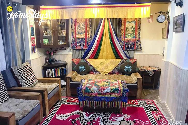 Drawing Room2_TungSung Homestay-Darjeeling