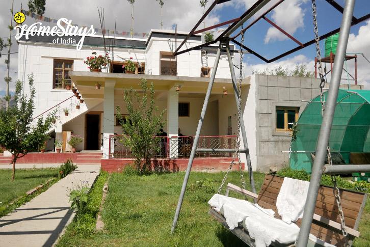 Garden-2-Thiksey Homestay-Ladakh