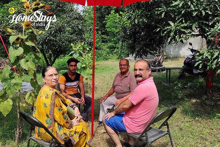 Host-Family-Ravi-Riverside-Homestay-Chamba