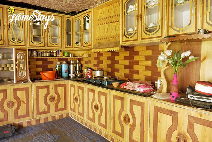 Kitchen-Dah Homestay-Aryan Valley