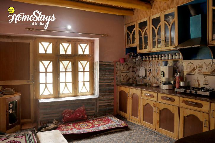 Kitchen-Upshi Riverside Homestay