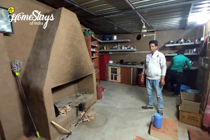 Local-Kitchen-Ravi-Riverside-Homestay-Chamba