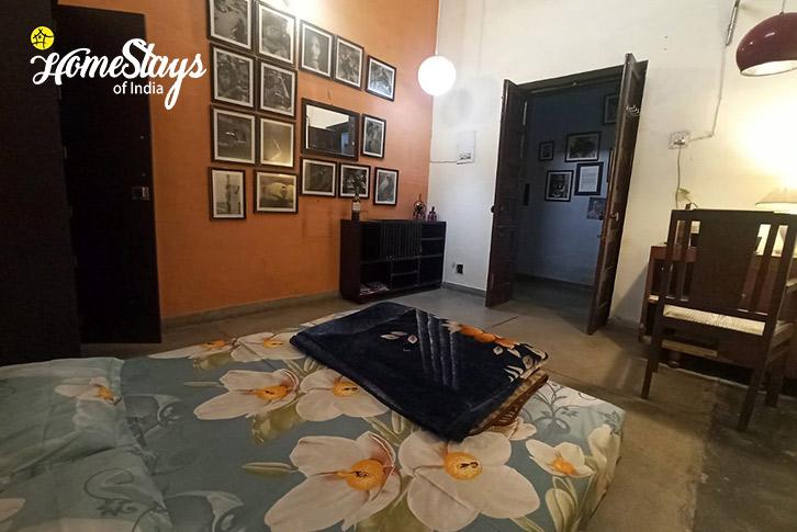 Room-001-16D Homestay-Chandigarh