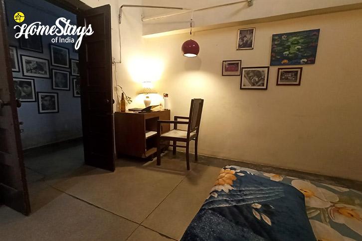 Room-01-16D Homestay-Chandigarh