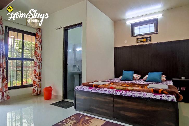 Room-1-Ravi-Riverside-Homestay-Chamba