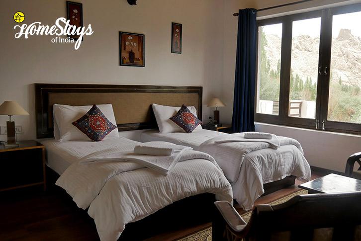 Room-3-Chubi Homestay-Leh