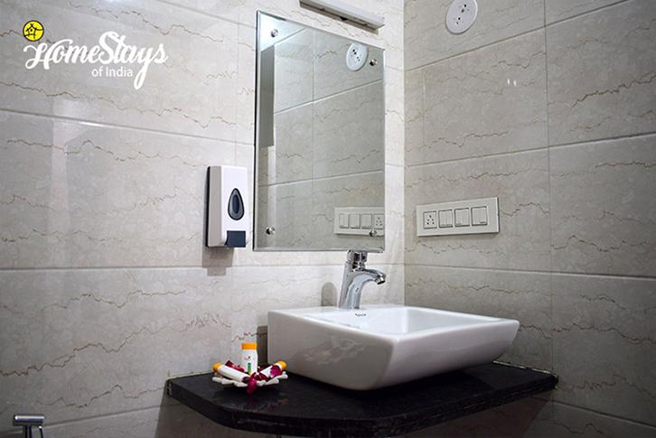 Bathroom_Malipara-Homestay-Jaisalmer