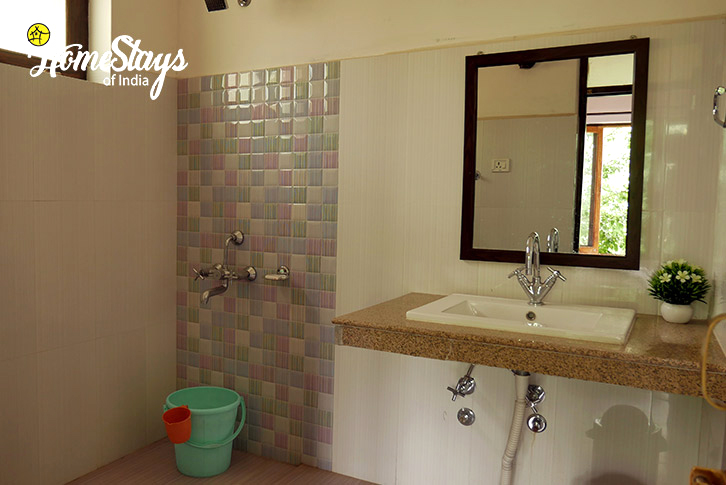 Washroom-Chubi Homestay-Leh