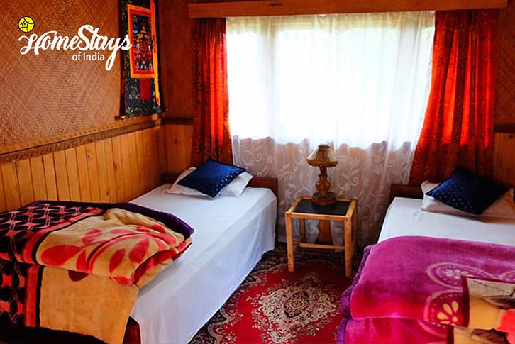 Bedroom2_Khecheopalri-Homestay-Sikkim